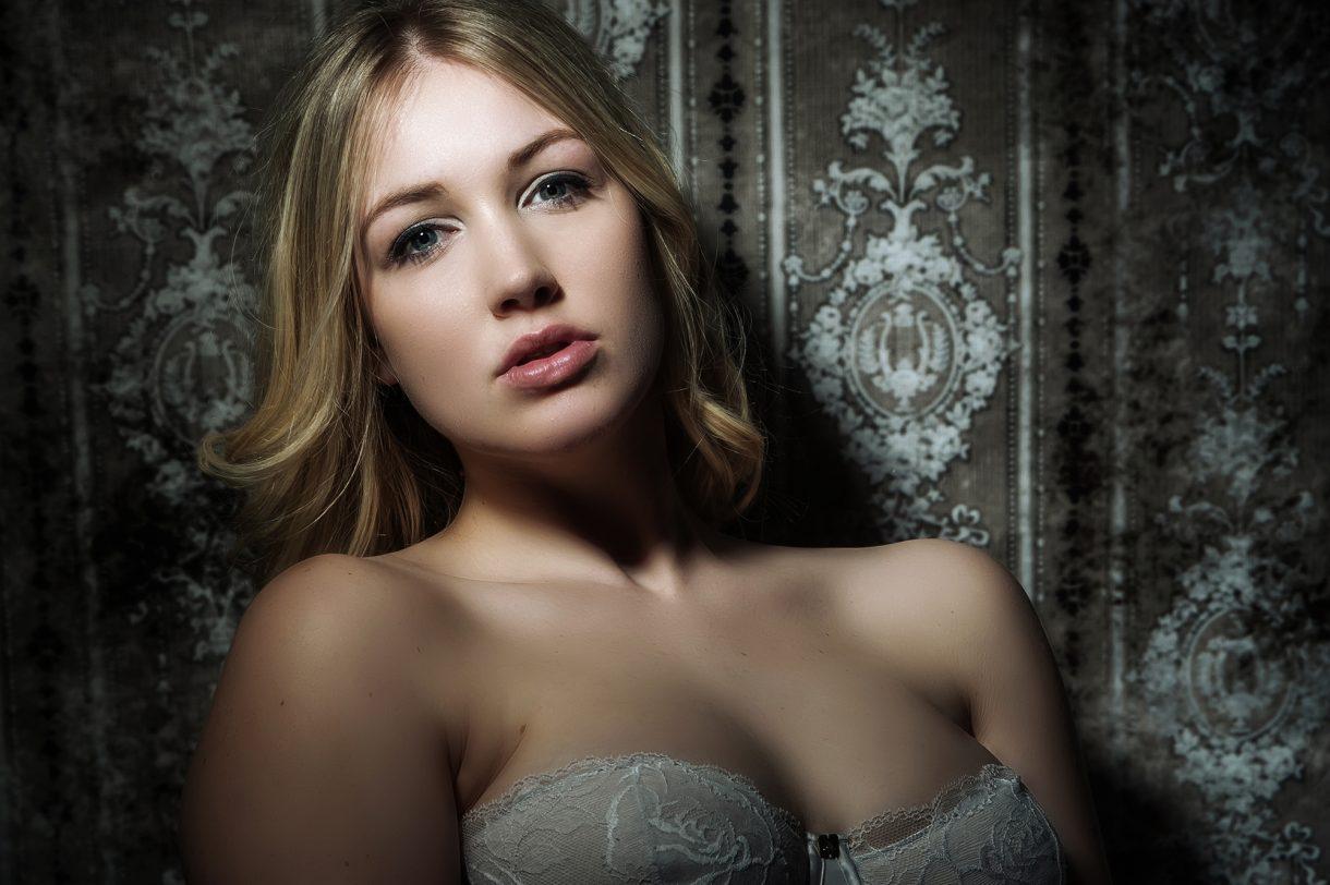 Beauty Unveiled / Boudoir & Nudes